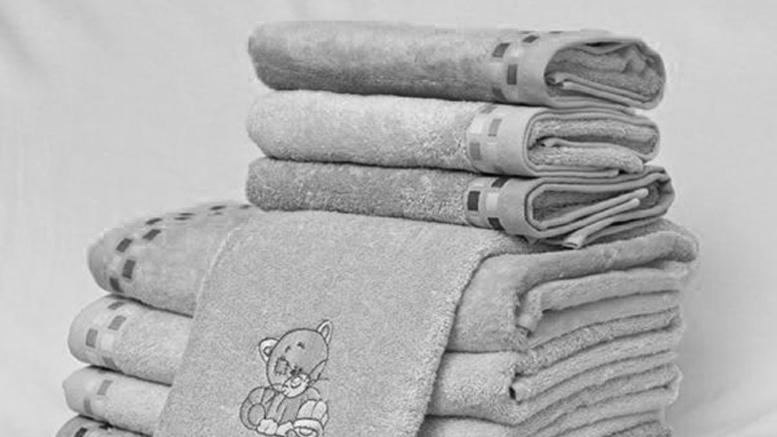 Violetta Valery ASMR - глажу полотенца, постельное белье и футболки